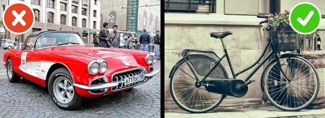 Thay vì đi xe hơi. Hãy thuê những chiếc xe máy hoặc xe đạp để tận hưởng khung cảnh xung quanh khi đi du lịch quốc tế