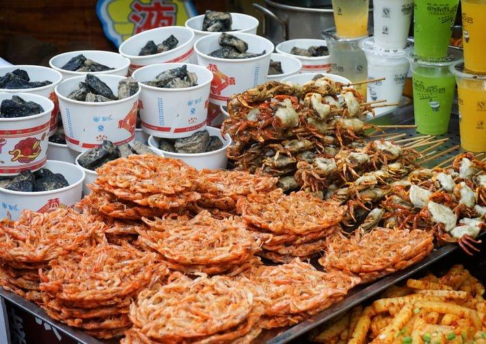 Đồ ăn đường phố thơm lừng, đa sắc màu, đa hương vị