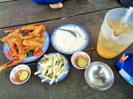 Những món ăn dân dã ở đồng sen.