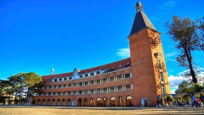 Kiến trúc độc đáo của trường cao đẳng Sư phạm Đà Lạt ( ảnh sưu tầm)