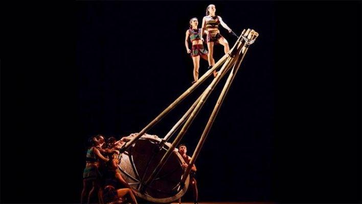 Màn biểu diễn hấp dẫn ở Teh Dar Show Hội An ( ảnh nguồn internet)