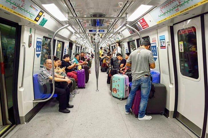 MRT-Singapore-2
