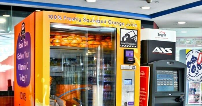 Máy bán nước cam tự động tại Singapore