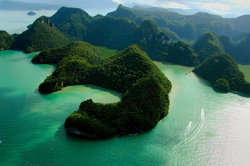 Hồ nước ngọt Pregnant Maiden(còn gọi là hồ thụ thai) - ảnh internet