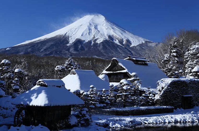 Mùa đông núi Phú Sĩ khoác lên mình chiếc áo tuyết khổng lồ (ảnh sưu tầm)