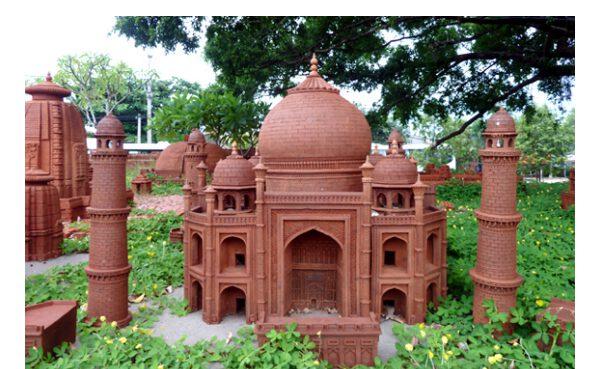 Đền Taj Mahal, Agra,- Ấn Độ làm từ gốm (ảnh internet)