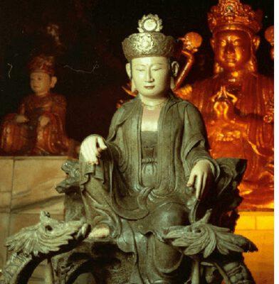 Tượng Phật Bà trong động Hương Tích (ảnh internet)