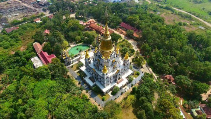 Chùa Bửu Long đẹp nổi tiếng ở thành phố Hồ Chí Minh (ảnh internet)