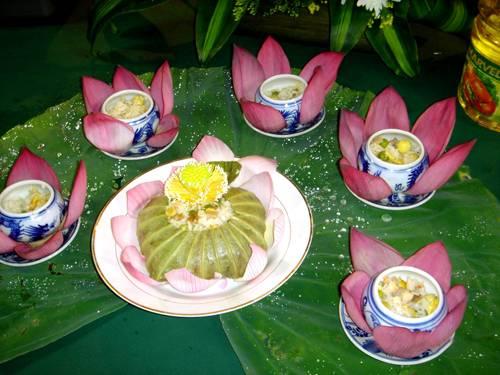 cơm sen món ngon nổi tiếng xứ Huế (ảnh internet)