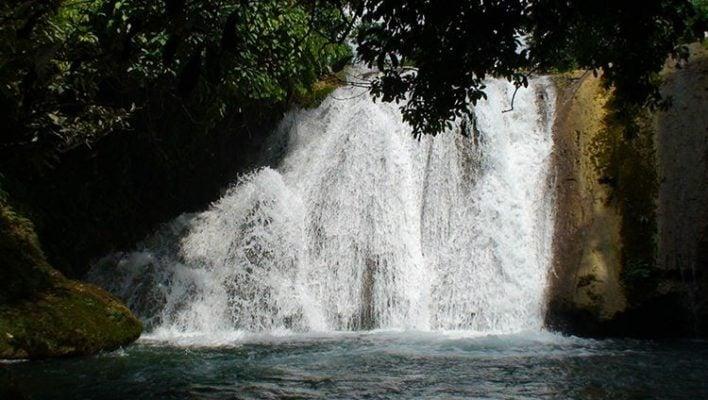 Thác nước ở khu du lịch Thăng Thiên (ảnh internet)