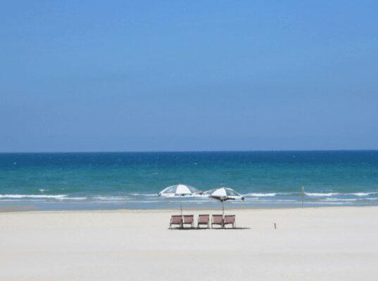 Bãi biển non nước đẹp bình yên (ảnh internet)