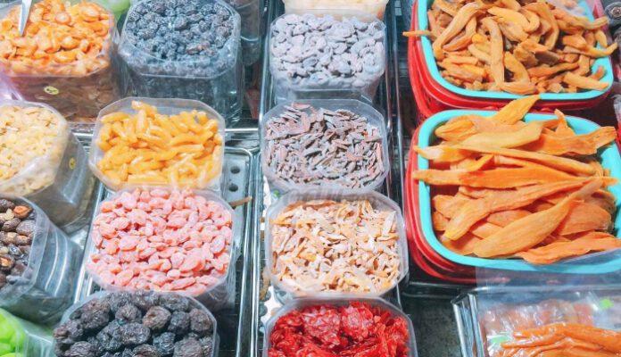 Các loại mứt chợ đêm Đà Lạt (ảnh internet)