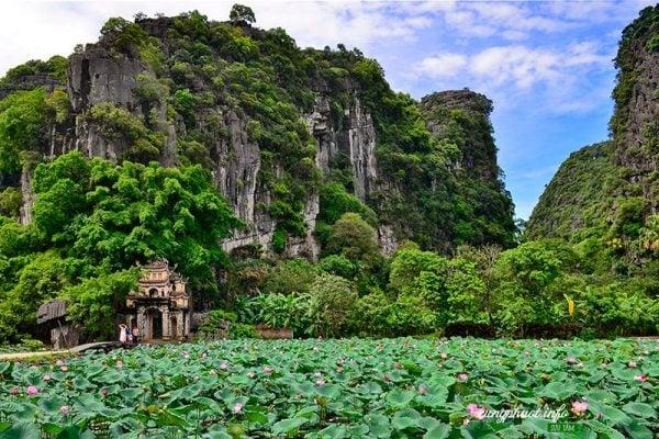 Đền Bích Động ở Ninh Bình (ảnh iternet)