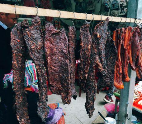 Thit trâu gác bếp - đặc sản nổi tiếng Sapa (ảnh internet)