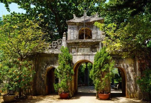 Chùa Tam Thai có 3 cổng(ảnh internet)