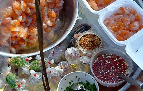 Bí quyết ngon đậm đà món bánh quai vạc chính là nước mắm (ảnh sưu tầm)
