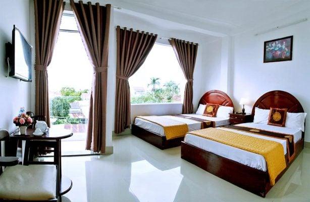 Phòng 2 giường có ban Công ở Game Homestay