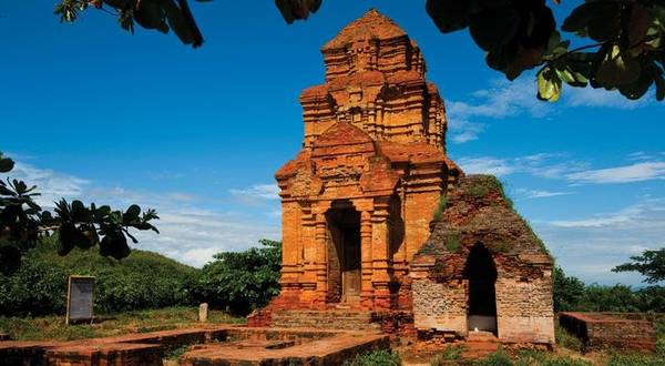 Tháp chàm Posha nư ở Phan Thiết ( ảnh sưu tầm)