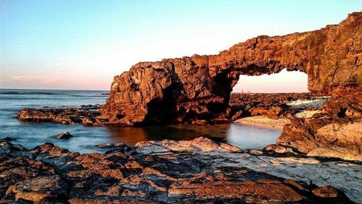 Cổng tò vò trên đảo Lý Sơn (ảnh sưu tầm)