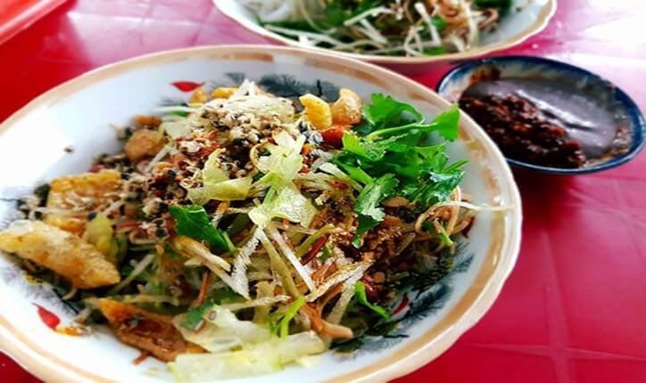 Quán cơm hến ngon ở Huế