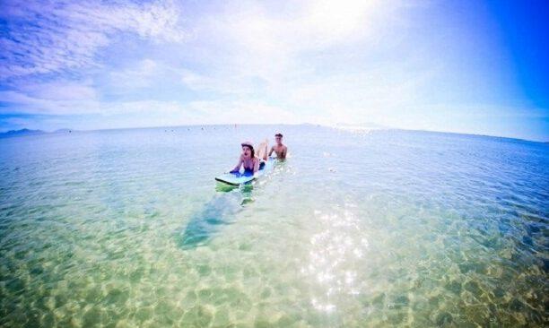 Trải nghiệm lướt sóng biển bằng ca nô ở biển An Bàng (ảnh sưu tầm)