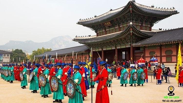 Cung điện hoàng gia Gyeongbok ở Seoul điểm đén của nhiều khách du lịch(ảnh sưu tầm)