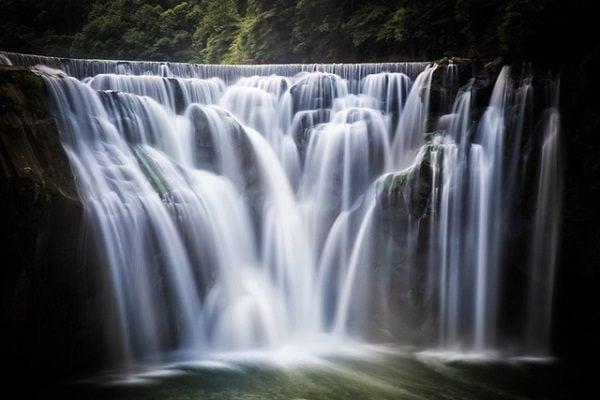 Thác nước Thập Phần đẹp như tranh vẽ ở Đài Loan (ảnh sưu tầm)