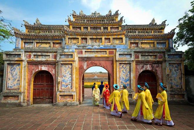 Dọc miền đất nước khám phá cảnh đẹp Ninh Bình, Huế, Đà Lạt