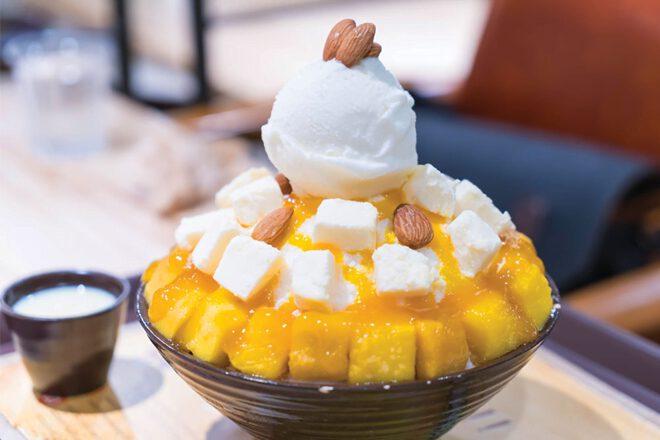 Món tráng miệng Bingsu đầy màu sắc