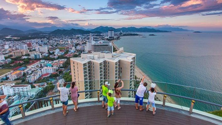 Từ trên cao đài quan sát của Skylight ngắm thành phố Nha Trang xinh đẹp