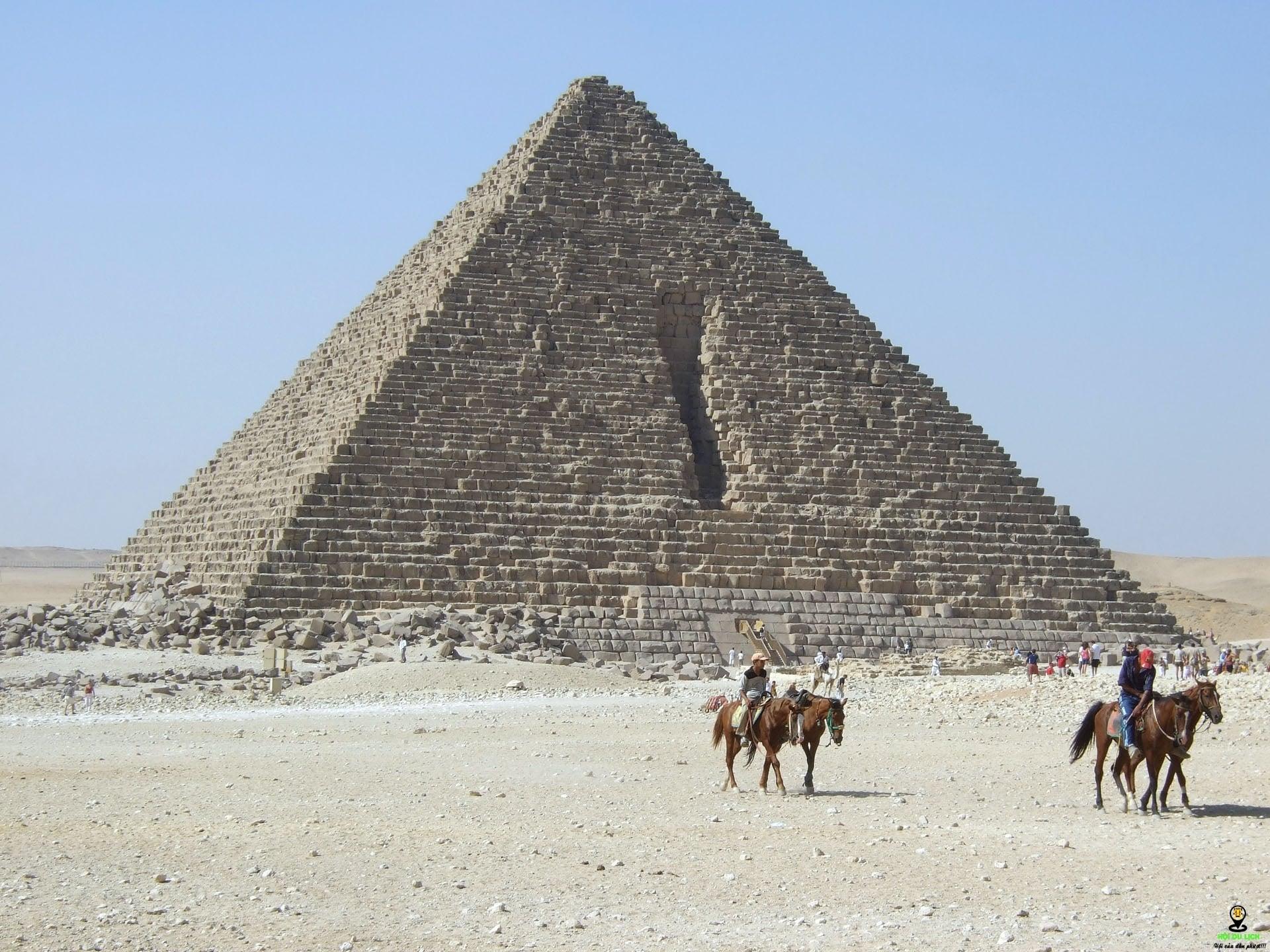 Kết quả hình ảnh cho kim tự tháp Menkaure