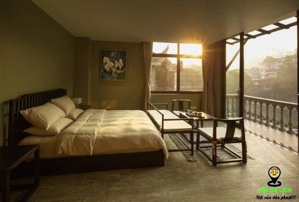 Phòng nghỉ tại khách sạn Moon Land Art Hotel