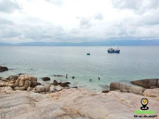 Cù Lao Câu là một hòn đảo hoang sơ