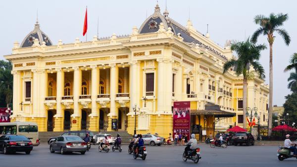 Nhà Hát Lớn Hà Nội - mang nhiều dấu ấn lịch sử của Thủ đô.