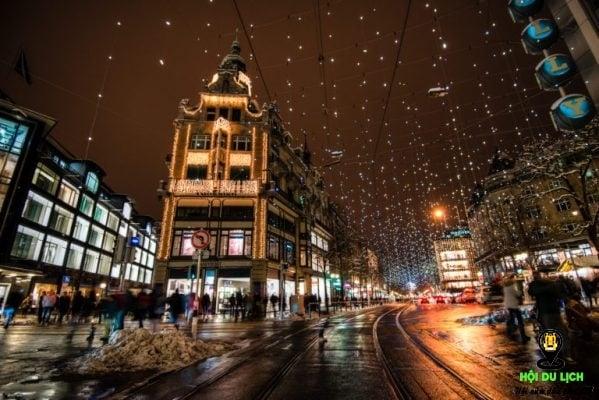 Khu phố mua sắm Bahnhofstrasse (ảnh sưu tầm)