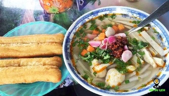 Bánh canh Thu ngon nổi tiếng ở Đà Nẵng