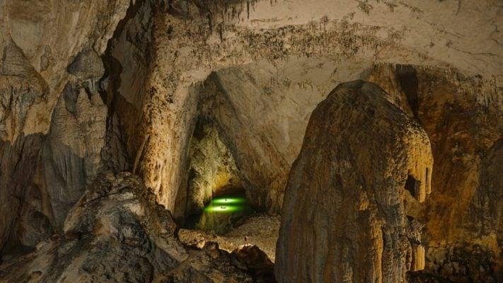 Hang động rộng nhất của người Miêu ở Quý Trâu (ảnh sưu tầm)