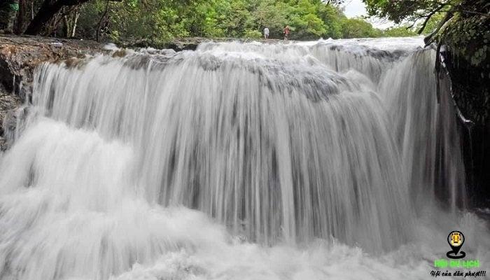 Thác nước suối Tranh đẹp hùng vĩ, thơ mộng (ảnh sưu tầm)