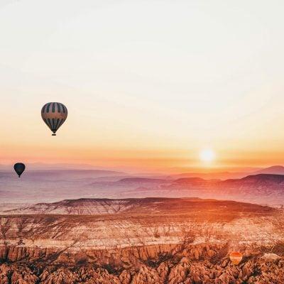 Thời điểm bay khinh khí cầu đẹp nhất là lúc bình minh