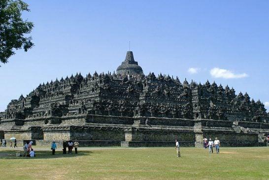 Tìm hiểu ngôi đền Phật giáo lớn nhất thế giới Borobudur