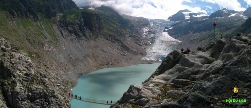 Cầu Trift (Thụy Sĩ) - những cây cầu đẹp nhất thế giới.