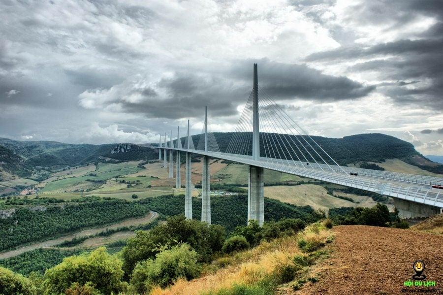 Cầu cạn Millau - những cây cầu đẹp nhất thế giới