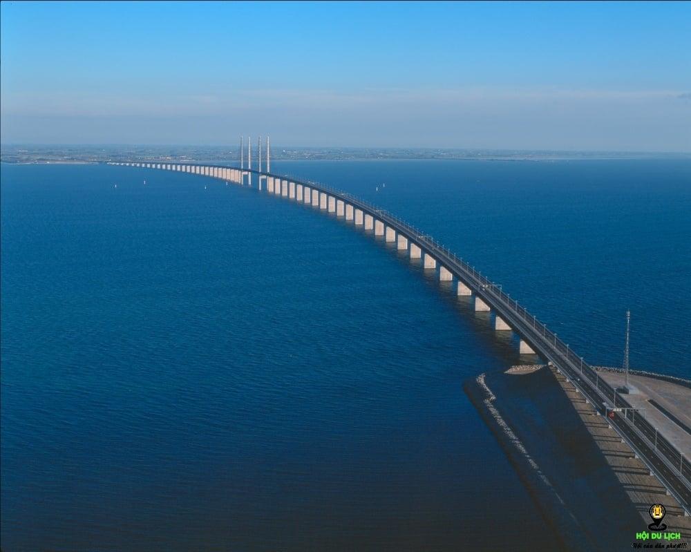 Cầu Oresund(nối liền Thụy Điển và Đan Mạch)