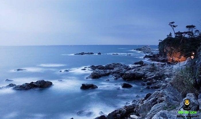 Bãi biển Naksan