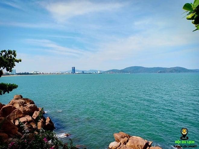 Bãi biển của truyền thuyết Ghềnh Ráng Tiên Sa