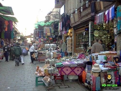 Chợ cổ Khan-el khalili - nơi thu hút hàng ngàn lượt khách ghé thăm