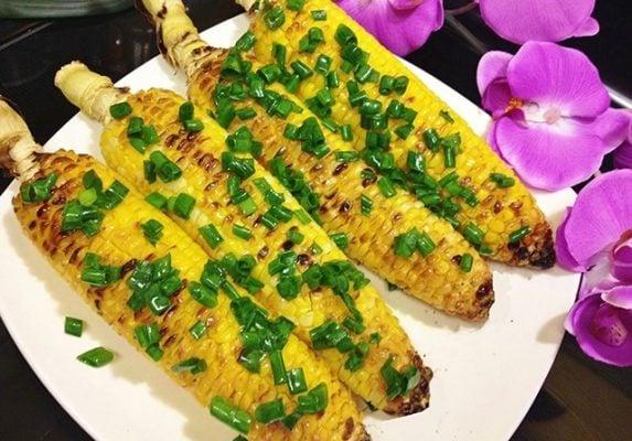 Bắp nướng Cống Quỳnh - địa chỉ ăn vặt cực đông khách