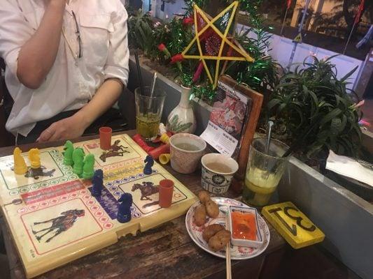 Cư Xá Cafe - những quán cà phê muôn màu ở Hà Nội.