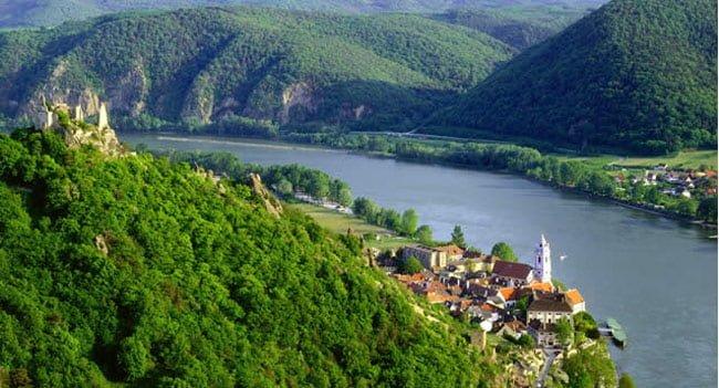 sông Danube đẹp thơ mộng, hiền hòa (ảnh sưu tầm)