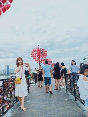 Cầu tình yêu ở Đà Nẵng đẹp lãng mạn(ảnh Thùy Dương chụp )